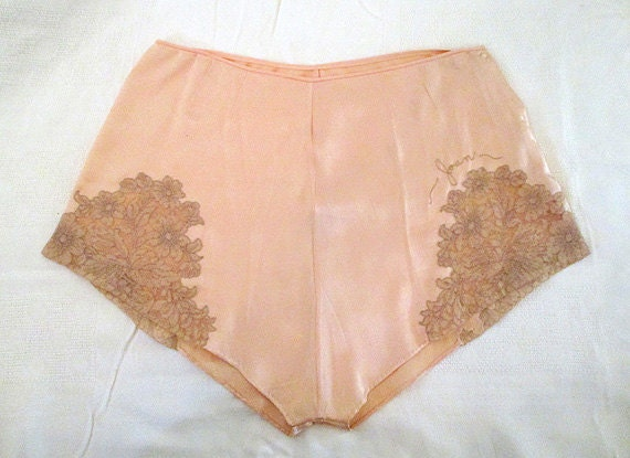 Lovely 1940's Hand Stitched Silk and Lace Tap Pants Vintage Lingerie Old Hollywood Rockabilly Pinup Girl Boudoir Size-Small-Medium