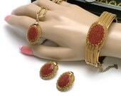 Faux Gold Stone Vintage 70s Confetti Pendant Bracelet Earrings Set