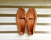 Reserved for 24hours .... vintage woven leather slip ons, camel tan, cut outs, dexter womens shoes size 10 w