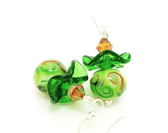 Green Ruffle Earrings, Green Earrings, Lampwork Earrings, Glass Earrings, Beadwork Earrings, Colorful Earrings, Glass Art Earrings