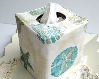 Seashell reversible tissue box cover