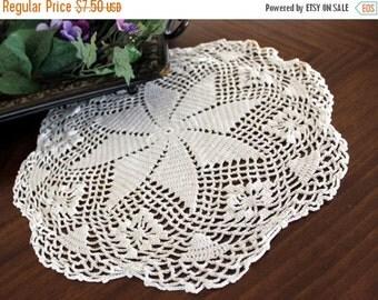 White Crochet Doily, Hand Crocheted, Vintage Linens 13354