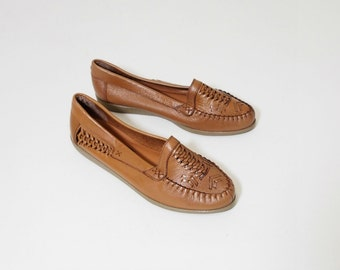 Vintage Tan Leather Woven Moccasin Flats Size 8