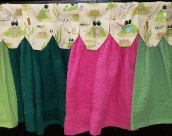 Hanging Kitchen Towels - Frogs - Lily Pads