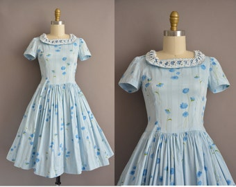 50s blue floral lace collar vintage cotton dress / vintage 1950s dress