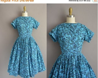 25% off SHOP SALE... Mode O Day 50s blue cotton print vintage dress / vintage 1950s dress
