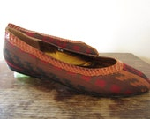 80s southwestern flats - J. RENEE - aztec fabric slip on shoes - size 8M