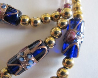 Vintage Blue Glass Wedding Cake Beaded Glass Rose Motif Necklace