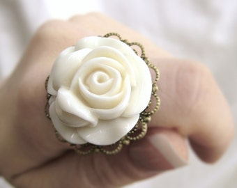 Vintage Rose Ring - Cocktail Ring - Vintage Style Jewelry - Edwardian Jewelry - Round White Ring Antique Ring Romantic Jewelry Vintage Ring