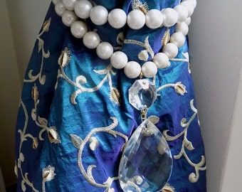 Double strand faux pearls tieback with vintage crystal drop, drapery holder, tie backs curtain