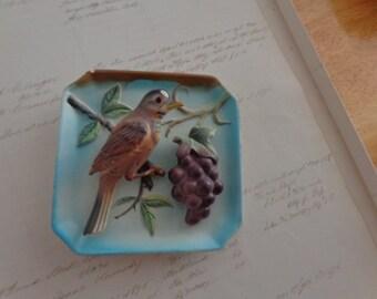 Vintage Bird Plaque  Robin 04847 printed on back