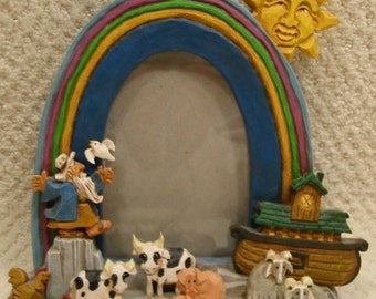 """vintage Frykman picture frame . .""""The Oldest Sailor"""". . DF3510 . . Noah, ark, animals w/rainbow . . Retired & RARE . . excellent condition"""