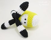 Helicopter baby toy rattle - turnable blades - organic cotton - yellow and black - baby gift - amigurumi helicopter