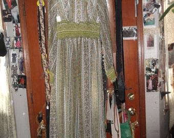 1960s Long Green Print Dress-petite