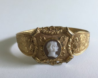 Victorian Carved Shell Cameo Bracelet