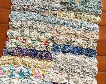 Vintage Yoyo Piece, Vintage Yoyo Pillow Front, Pillow Piece, Yoyo Placemat, Yoyo Runner, Vintage Yoyo Quilt Piece