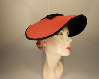 She Had Her Reservations - Early 1950s Red & Black Velvet Oval Platter Dish Wide Brim Hat