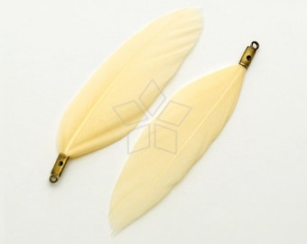 FT-007-IV / 2 pcs - Duck Feather Pendant, Handmade Ivory Dyed Feather Charm, Natural Bohemian Plume Pendant / 50mm