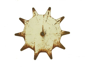 Sunburst Metal Art, Sun Garden Art, Star Pattern Farm Gear, Rusted Metal Yard Art, Outdoor Art, Farmhouse Decor
