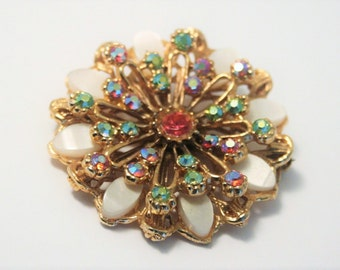 Vintage crystal flower brooch.  Lucite brooch