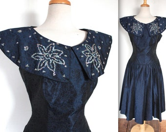 Vintage 1950s Dress // 50's Navy Blue Embroidered Taffeta Floral Brocade Party Dress // Sequin Sailor Collar