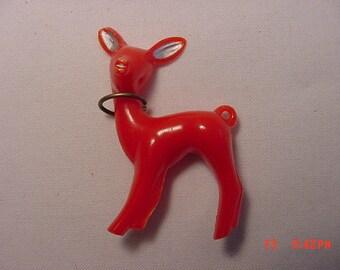 Vintage Red Plastic Deer Or Reindeer Brooch   16 - 272