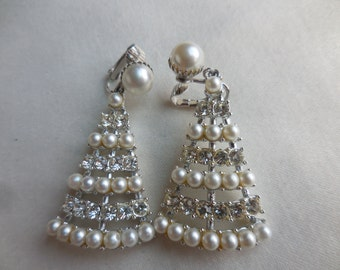 Vintage Sarah Coventry MOONLIGHT Madness RHINESTONE and PEARL Earrings