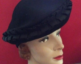 Vintage 1930s 1940s Hat Dark Black Tilt Art Deco Old Hollywood Glamour