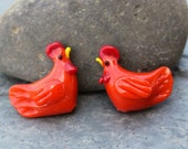 Small reddish orange chicken beads - lampwork glass - jewelry and craft supplies - red roosters - you pick quantity - hen, farm animals