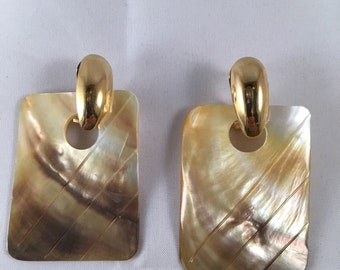 80's - Gold & Shell Earrings