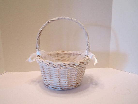 Natural Wicker Flower Girl Baskets : Woven wicker flower girl basket with tulle insert and satin