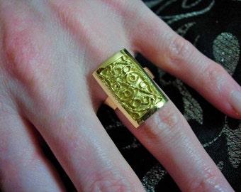 18ct gold filligree ring