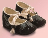Girl Shoes, Baby Shoes, Baby Booties made from black leather by Vibys