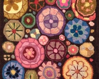 FLOWER WHEELS 1616 Rug Hooking Pattern hand drawn on linen