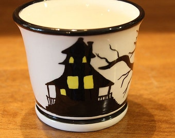 Handmade Halloween Ceramic Tumbler With Haunted House, Spooky Tree and Jack-o'-lanterns in Black and White