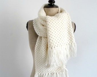 White Wool Crochet Scarf Vintage 80's
