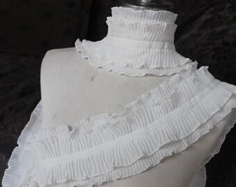 Cute  ruffled    trim white   color   1  yards listing