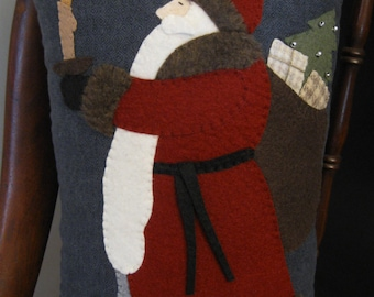 Old World Candlelight Santa Claus Wool Applique Folk Art Pillow Hand Made