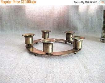 Happy 4th with 40% Off Vintage Brass Circle Candelabra / 5 - Taper Circular Candelabra / Vintage Brass Candle Holder