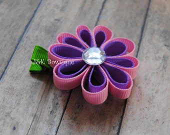 Flower hair clip....Color is Pink and purple