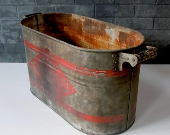 Vintage Industrial Metal Container Tub with Handles / Vintage Wash Boiler / Distressed / Man Cave / Industrial Decor / Rusty Patina / Prop