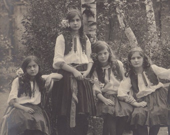 Four Charming Mignons, Croatian RPPC posted 1913