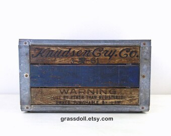 Vintage 1961 Knudsen Cry. Co. Milk Crate, Wood Metal Crate , Metal Strap Wood Box, Wedding Decor, Rustic Decor, Item No 1556