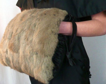 MUFF - FUR - 1940's vintage muff with 2 zippered pockets - ruched back - KOVER Zip