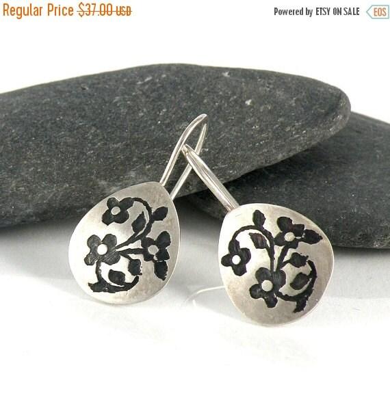 Miniature Flowers Earrings Gifts for Teen Sterling Silver Earrings Oxidized , Floral Earrings Small Tear Drop Earrings Nature Jewelry