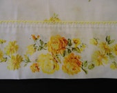 Full sized flat cotton blend Muslin bed sheet-Charming yellow roses on white