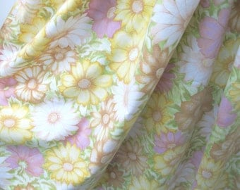 """Gorgeous VINTAGE SHEET panel 62x72"""" Cotton Quilt Back backing 1960s 60s 1970s 70s Bed Linens"""
