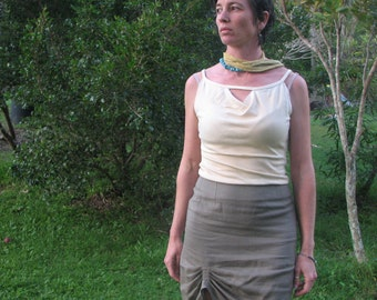 Low back tank top bamboo/organic cotton, dyed in eucalyptus.