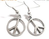 VALENTINES DAY SALE - Silver Peace Sign Jewelry Hippie Earrings 150