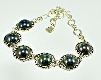 Green Luster Glass Cabochon Bracelet